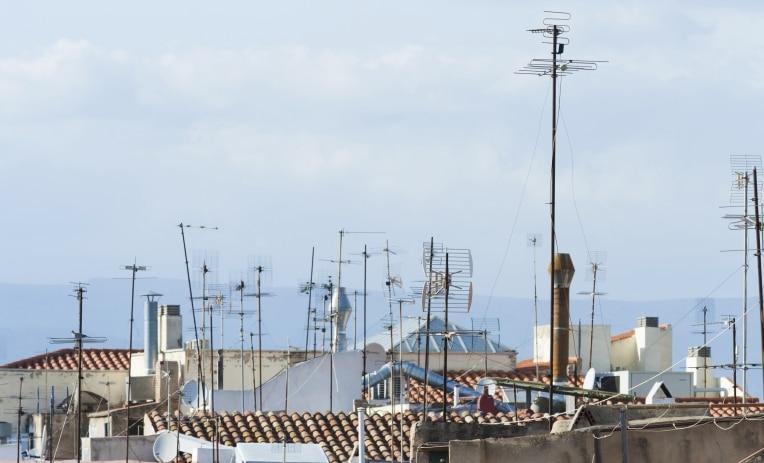 soluzione-fibra-tetti-puliti-antenne-roma